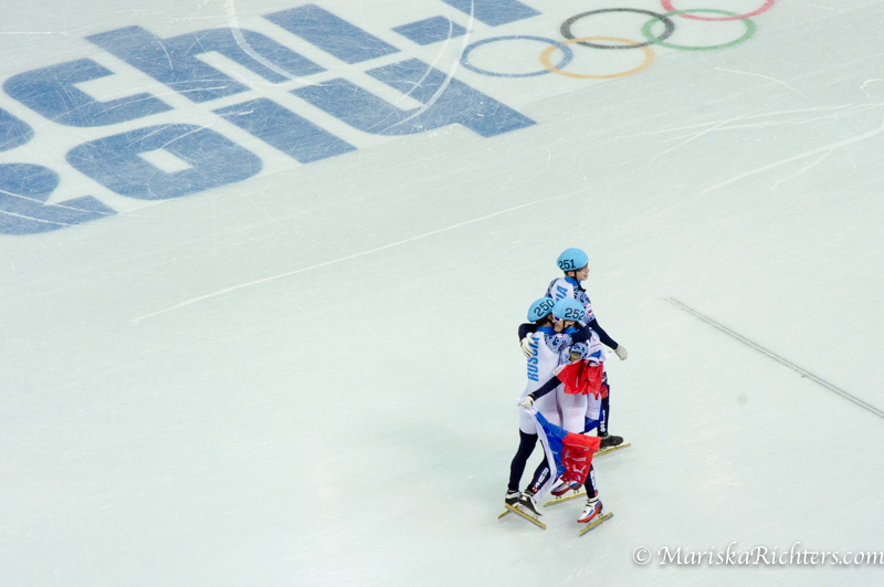 Russia wins Gold in the 5000m relay at Sochi 2014