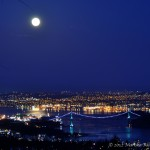 Moon Rise Over Vancouver, CanadaMoon Rise Over Vancouver, Canada