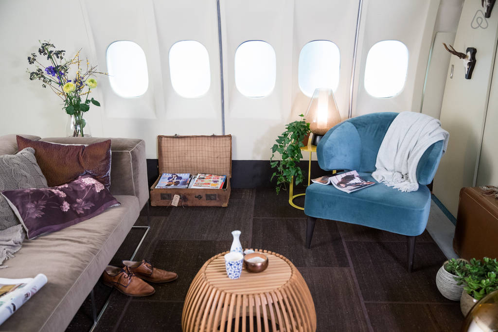 KLM Airplane Apartment - Living Room