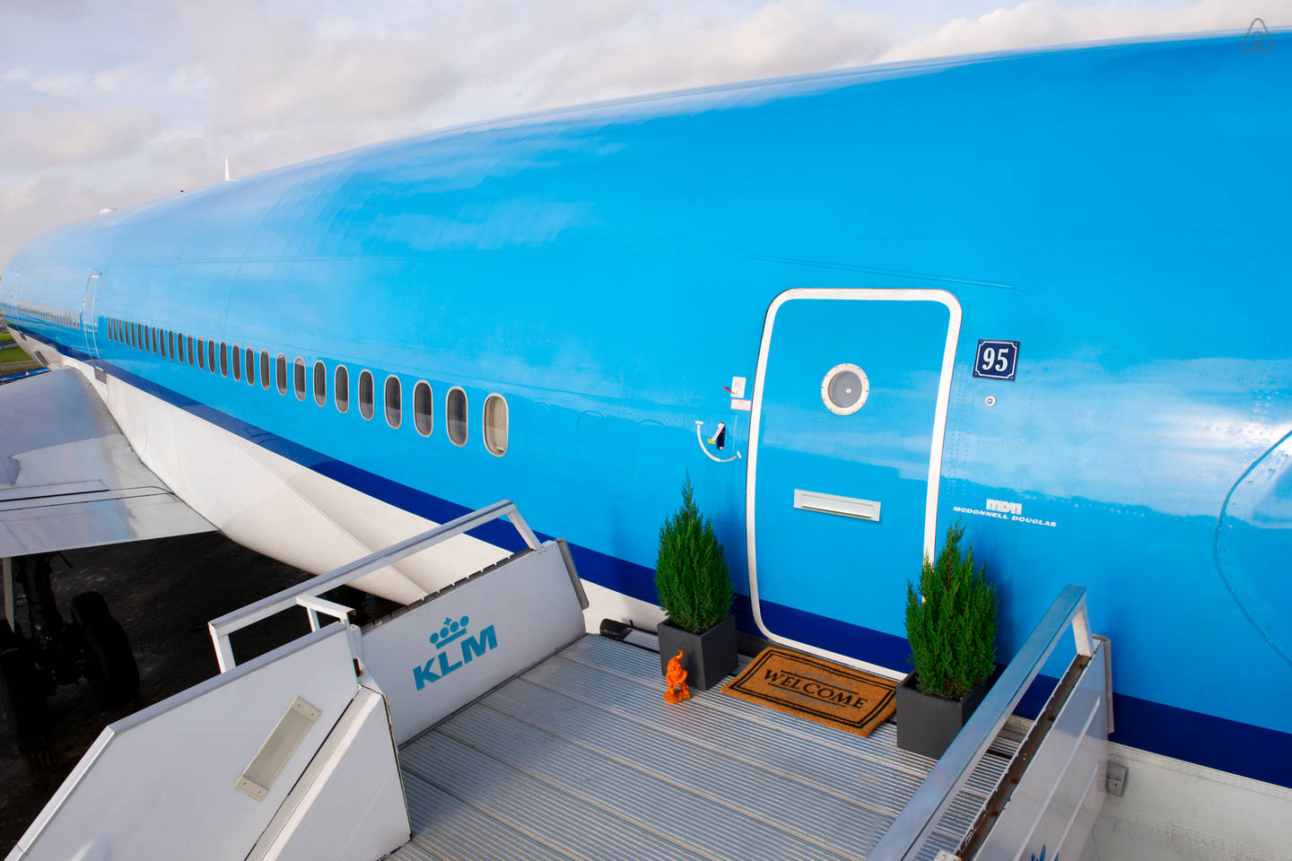 KLM Airplane Apartment on Airbnb